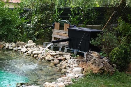 Cr ation le bassin de jardin de 20 m3 de g rard dans le tarn for Filtre pour bassin de jardin